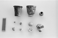 Finds from tomb 24 (Areal F/I, i21, Tell el-Daba).